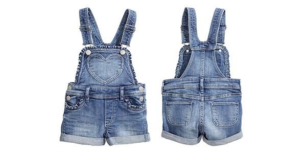 Romantica la salopette in jeans di H&M