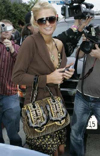 Paris Hilton e la B Fendi