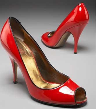 http://www.ohmyshoes.it/wp-content/uploads/2007/04/scarpe-rosse-dolce-e-gabban.jpg
