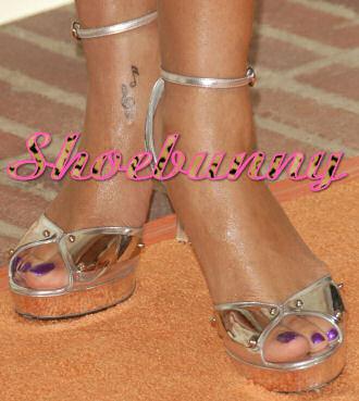 gucci_silver_sandals_rihanna.jpg