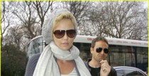 Charlize Theron sceglie le Converse All Star