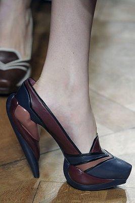 مارک های معروف کفش زنانه