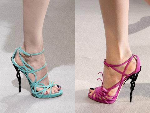 103694de3d Le scarpe di tralci di Dior Haute Couture