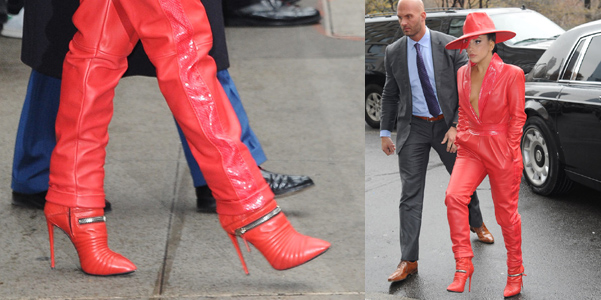 Lady Gaga con biker boots Zanotti