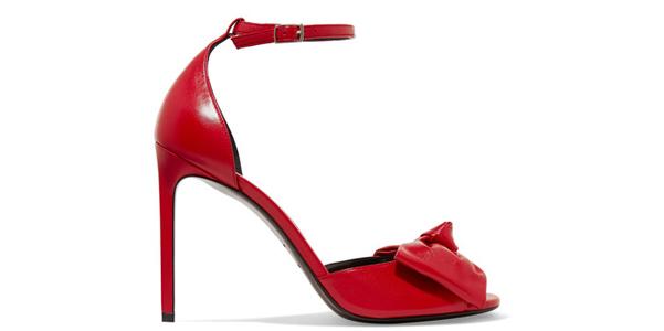 Il fiocco rosso di Saint Laurent