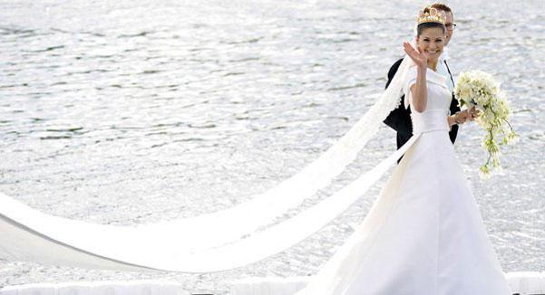 Matrimonio In Inghilterra Valido In Italia : Lo strascico dell abito da sposa tradizioni e curiosità