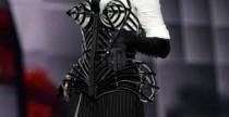 Madonna reggiseno a punta MDNA