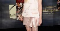 Star Style// Elle Fanning in total look Prada