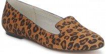 Star Style// Sienna Miller e le scarpe basse dopo la gravidanza.