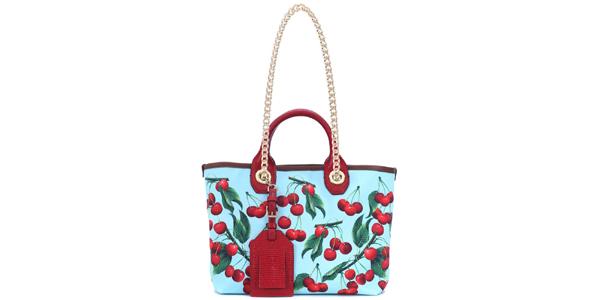 Le ciliegie di Dolce e Gabbana sulla shopper Capri