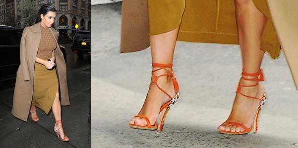 size 40 38bc9 2b8a8 Kim Kardashian a cena in sandali Etro