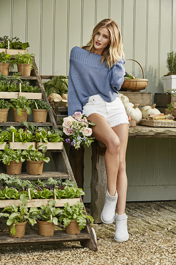 Rosie-Huntington-Whiteley-Ugg_2
