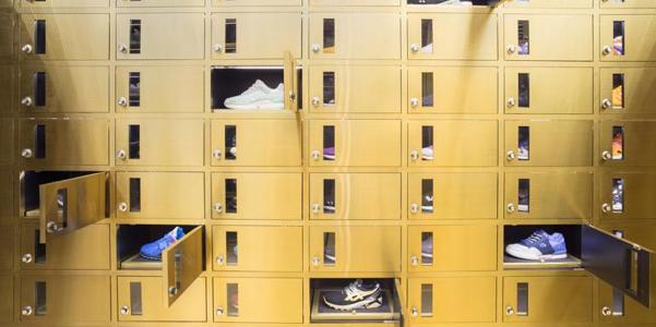 24 Kilates a Bangkok, il negozio di scarpe ispirato a un caveau