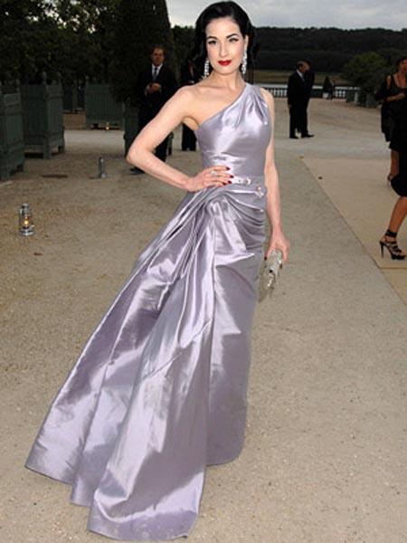 Dita Von Teese alla sfilata Dior
