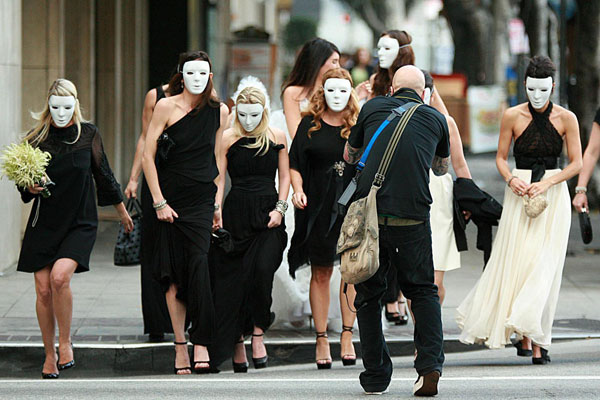 weddinginmask.jpg