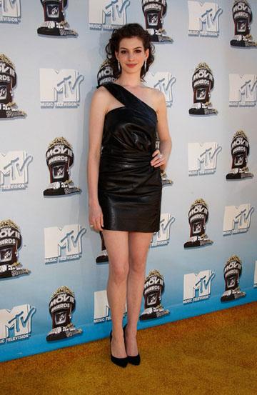 Anne Hathaway Mtv Awards