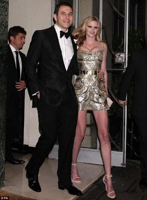 Lara Stone sposa Givenchy