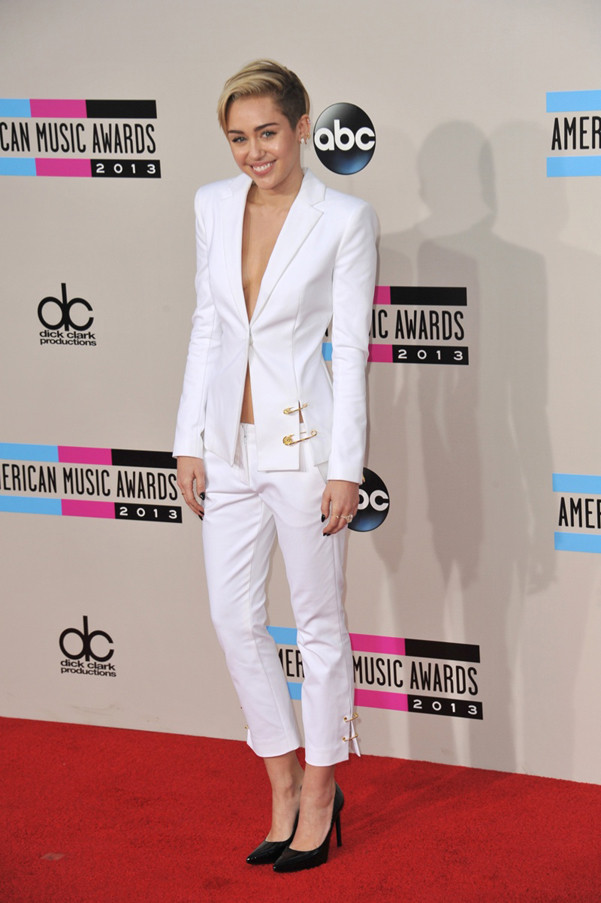 tailleur miley cyrus