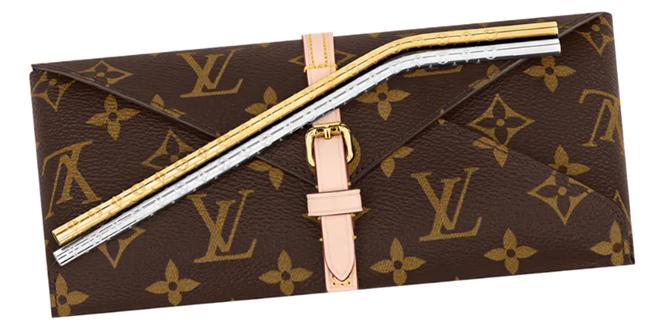 Le cannucce di Louis Vuitton, bando alla plastica e spazio al lusso